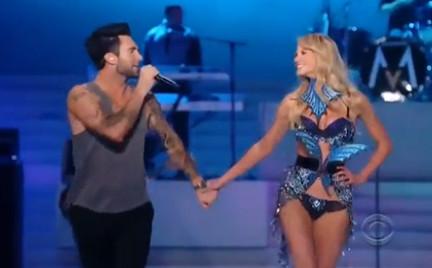 Maroon 5 i pokaz Victoria s Secret