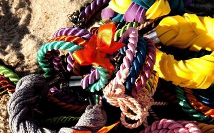 Hit: biżuteria O plotka w kolorach tęczy