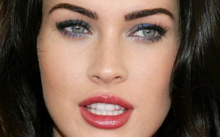 Krok po kroku: uwodzicielski smoky eye w stylu Megan Fox