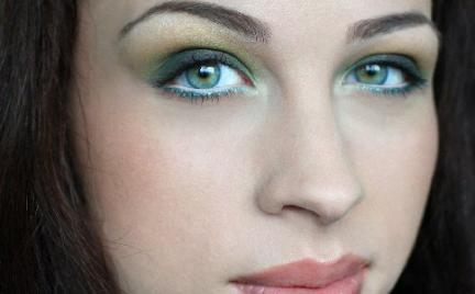 Makijaż 244 - zielony z eyelinerem