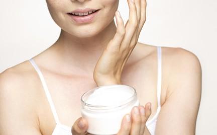 Jakich błędów w nawilżaniu skóry unikać