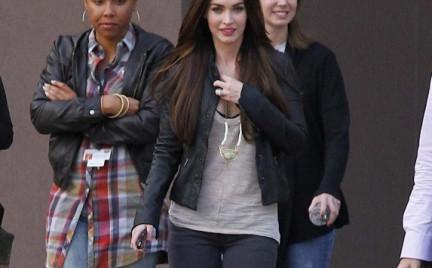 W stylu gwiazdy: dżinsy Siwy Megan Fox