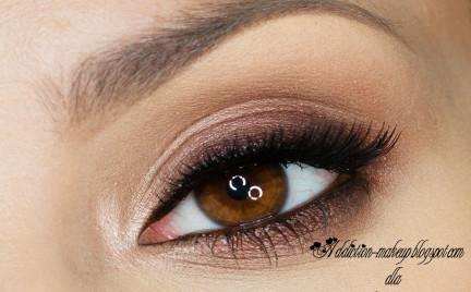 Makijaż: być jak Jessica Alba